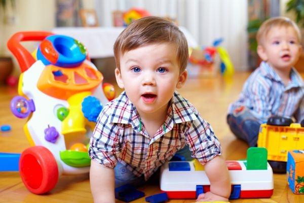 bien-etre-decouverte-enfants-bebe-parole-apprentissage-milieu social-richesse-vocabulaire