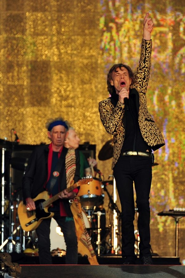 le concert des rolling stones au stade de france complet en 51 minutes femmes magazine. Black Bedroom Furniture Sets. Home Design Ideas