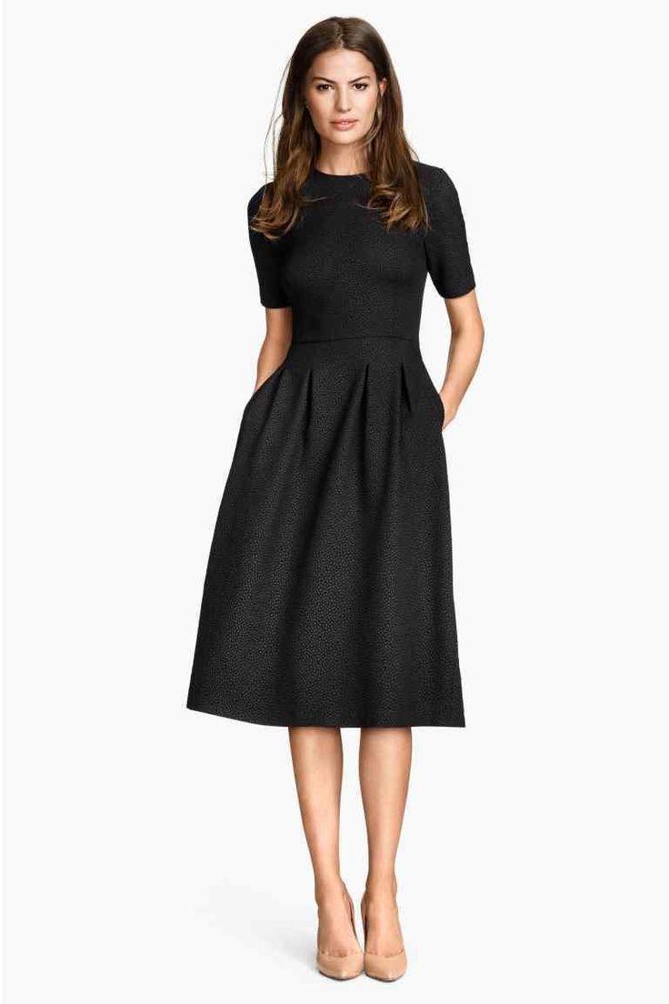 Robe noire cocktail femme