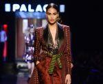mode-defiles-fashion-week-paris-haute-couture-fm-2016