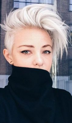 hair crush le blond polaire femmes magazine. Black Bedroom Furniture Sets. Home Design Ideas
