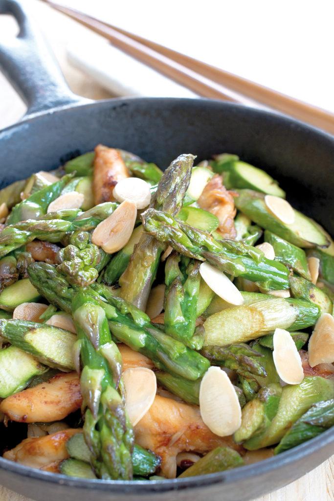 femmesmagazine-recettes-wok-asperges-vertes