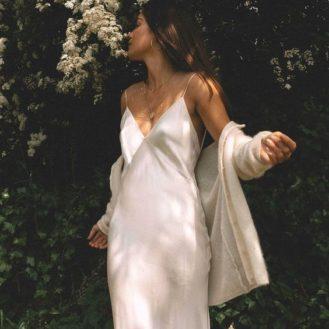 femmesmagazine-looksdefetes-comment-porter-la-slip-dress