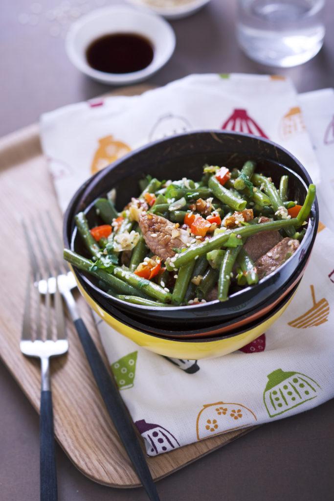 femmesmagazine-recette-plat-wok-agneau-legumes-hiver-noisettes